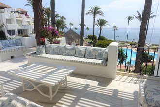 4 bedroom penthouse in new golden mile, estepona