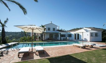 8 bedroom villa in la mairena, marbella
