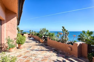 3 bedroom penthouse in new golden mile, estepona