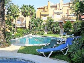 4 bedroom townhouse in puerto banus, marbella