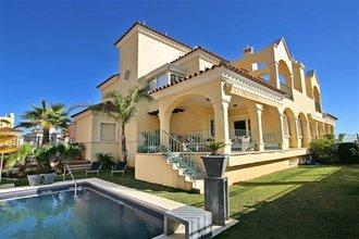 4 bedroom villa in puerto banus, marbella