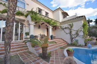 5 bedroom villa in guadalmina alta, san pedro alcantara