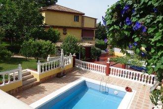 6 bedroom villa in puerto banus, marbella