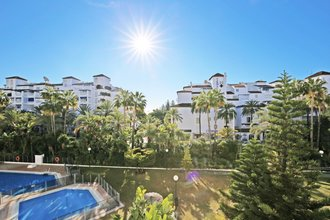 3 bedroom apartment in puerto banus, marbella