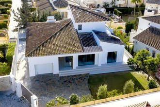 5 bedroom villa in bahia de marbella, marbella