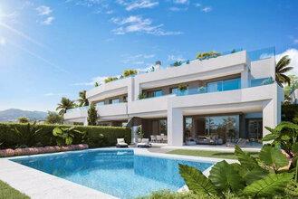 4 bedroom villa in los monteros, marbella