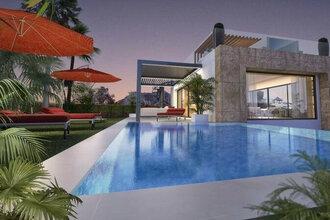 4 bedroom villa in rio real, marbella