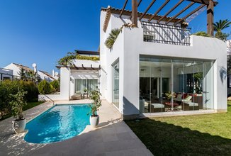 5 bedroom villa in marbella golden mile, marbella