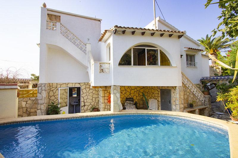 0f7e4d5dad 5 Bed 4 Bath Villa for sale in Calpe - VCA0407
