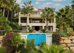 6 bedroom villa in los arqueros, benahavis