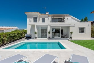 4 bedroom villa in estepona town, estepona