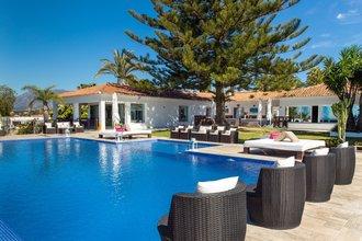8 bedroom villa in elviria, marbella
