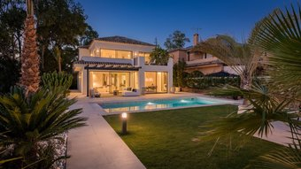 5 bedroom villa in elviria, marbella