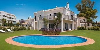 5 bedroom villa in guadalmina baja, san pedro alcantara