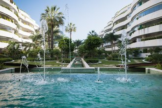 4 bedroom penthouse in puerto banus, marbella