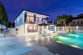 5 bedroom villa in los monteros, marbella