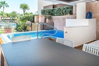 2 bedroom apartment in new golden mile, estepona