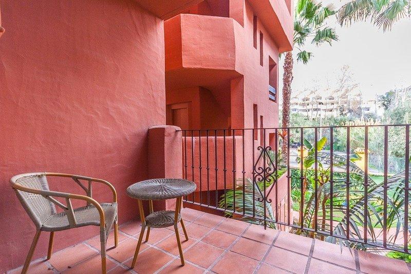 Pisos Para Baños Rosario:Piso de 2 Dormitorios y 2 Baños en venta en El Rosario, Marbella