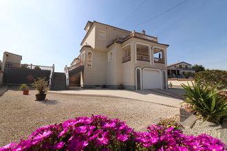 4 bedroom villa in costa del sol, algorfa