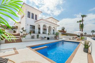 4 bedroom villa in costa del sol, ciudad quesada