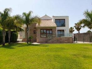 3 bedroom villa in costa del sol, algorfa