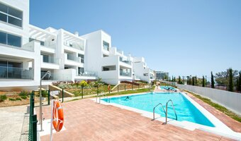 2 bedroom apartment in benalmadena costa, benalmadena