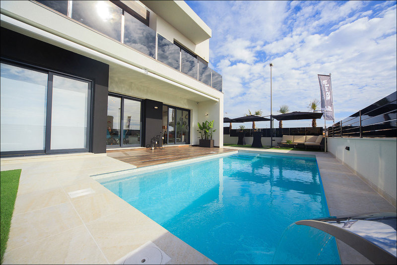 3 Bed Villa for sale in Cabo Roig