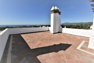 2 bedroom penthouse in sierra blanca, marbella
