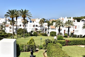 2 bedroom apartment in los monteros, marbella