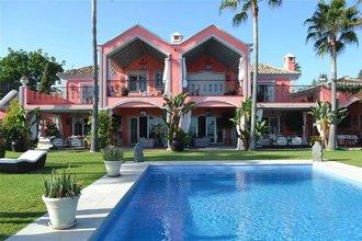 5 bedroom villa in guadalmina baja, san pedro alcantara
