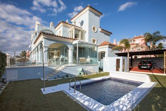 5 bedroom villa in puerto banus, marbella