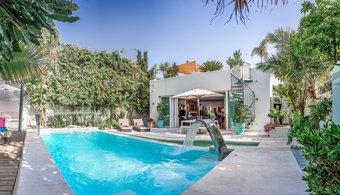 5 bedroom villa in marbella golden mile, marbella