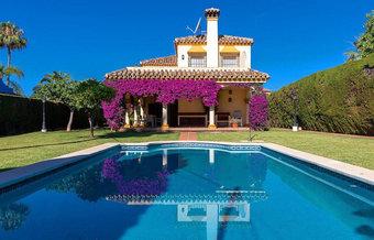5 bedroom villa in marbella centre, marbella