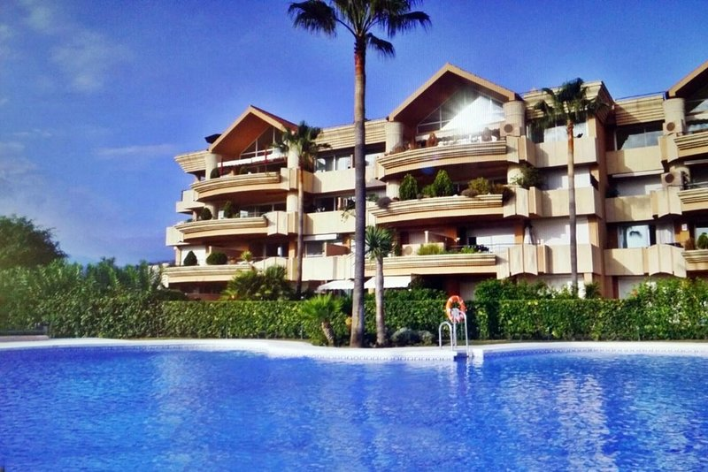 Frontline Golf Apartment For Sale In Magna Marbella