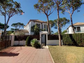 4 bedroom villa in new golden mile, estepona