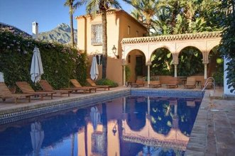 2 bedroom townhouse in marbella golden mile, marbella