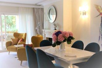 3 bedroom apartment in new golden mile, estepona