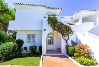 3 bedroom apartment in el paraiso, estepona