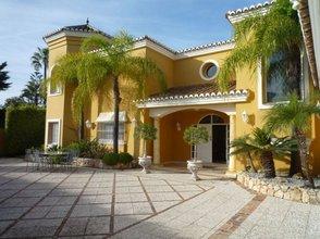 5 bedroom villa in calahonda, mijas