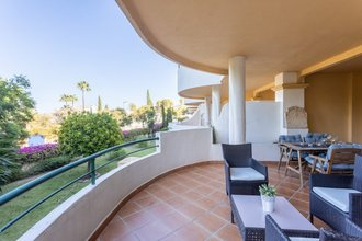 2 bedroom apartment in nueva andalucia, marbella