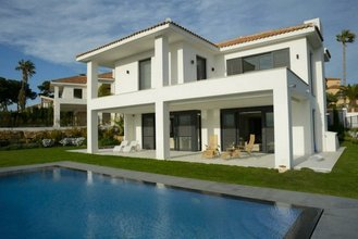 5 bedroom villa in artola, marbella