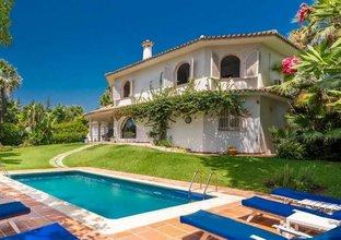 6 bedroom villa in nagueles, marbella