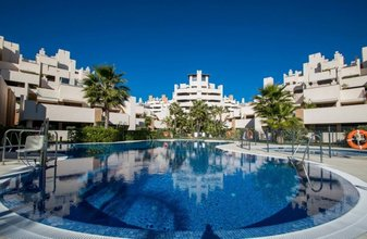 2 bedroom apartment in new golden mile, estepona