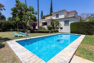 7 bedroom villa in nagueles, marbella