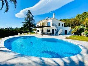 5 bedroom villa in new golden mile, estepona