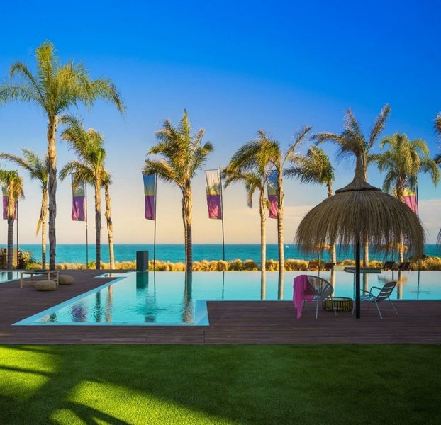 Frontline Beach Apartment for sale in El Faro