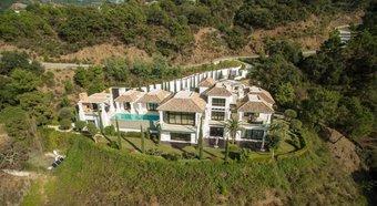 5 bedroom villa in costa del sol, benahavis