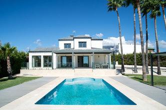 6 bedroom villa in estepona town, estepona