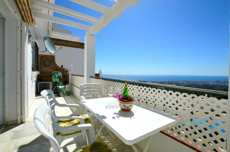 34c6ad76724 Apartment with Sea Views for sale in Mijas Pueblo - M205931
