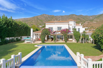 5 bedroom villa in valtocado, mijas